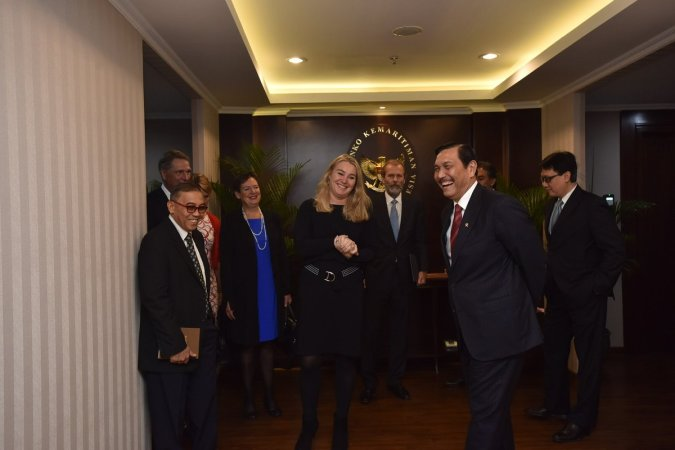 Minister Schultz visits the Minister of Maritime Affairs, Mr. Luhut Binsar Panjaitan with a business delegation in Jakarta
