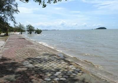 A Wonderful Afternoon in Tanjung Pendam Beach