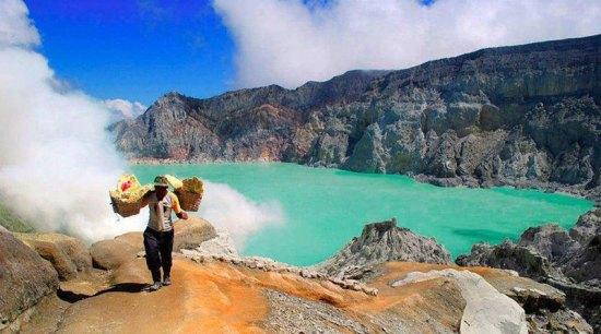 9-3-ijen-via-Wanderlust-East-Java