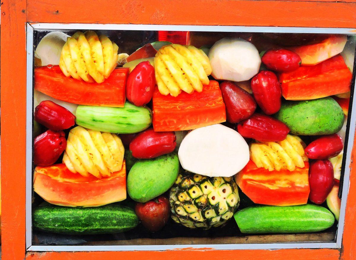 Indonesia cosa mangiare , banco di frutta