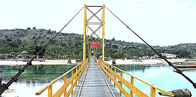 Nusa ceningan ponte giallo