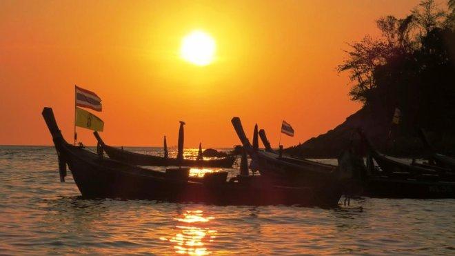 Thailandia luce a kata beach