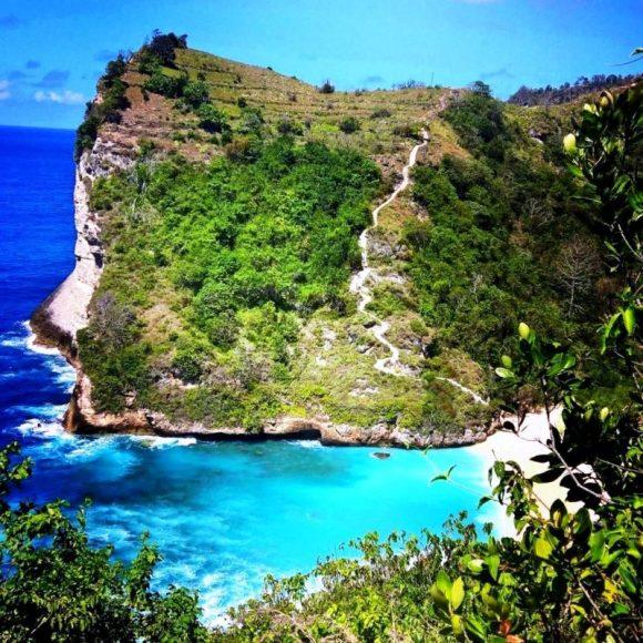 Nusa Penida scala verso il blu