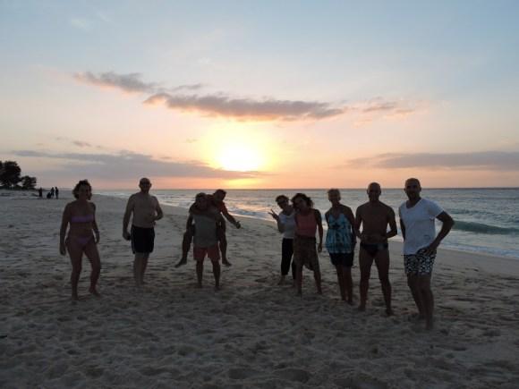sumba amici al tramonto
