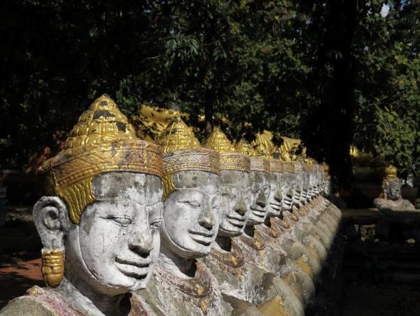 Cambogia statue
