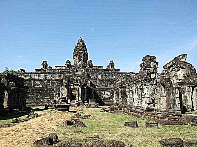 cambogia tempio Baphuon