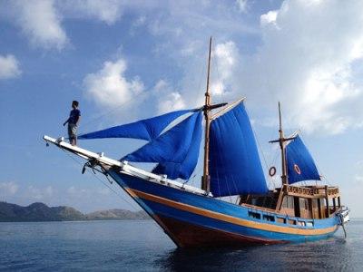 Bugis boat