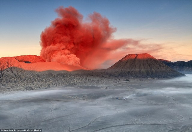 Java Travel Musts Hike The Majestic Mount Bromo Indonesia D