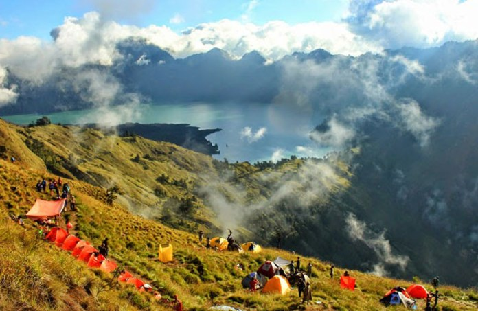 Mount Rinjani Closed To Climbing Activities For One Year Indonesia Expat