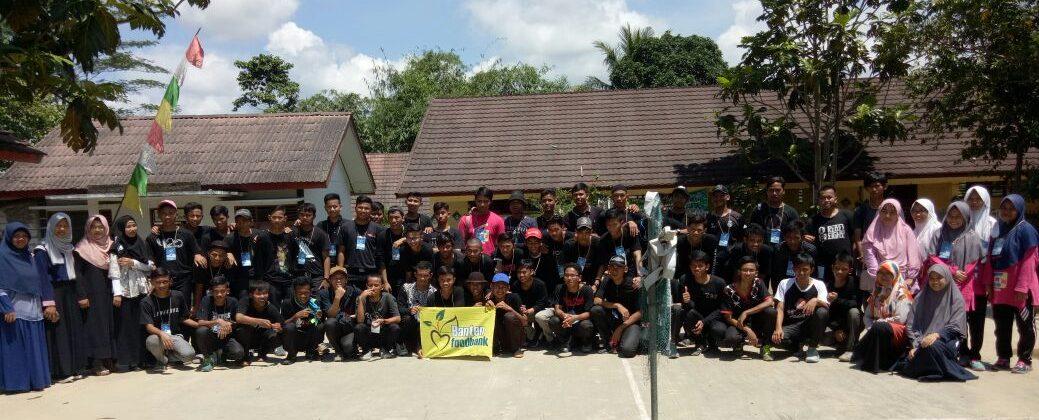 Foto Bersama Peserta In-Camp Assaadah dengan Relawan BFB