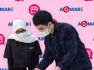 Director Program KATALOQ David Andrias bersama Ketua Umum AGMARI (Asosiasi Guru Marketing Indonesia Pebrizayanti, menandatangani kerjasama dalam pengembangan soft skill dan hard skilll.