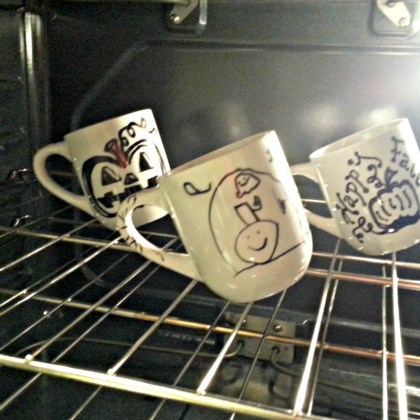 bake mugs in the oven at 425 for 30 minutes