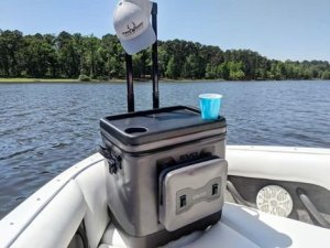camping, glamping, tailgating, picnic, bbq, barbecue, large capacity, rolling, insulated, cooler