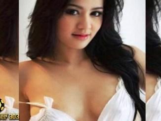 Agen Poker Online - Simak kisah hidup janda seksi dengan tubuh mempesona dan menggairahkan asal Surabaya ini penampilannya bak model yang modis dengan gaya kekinian.