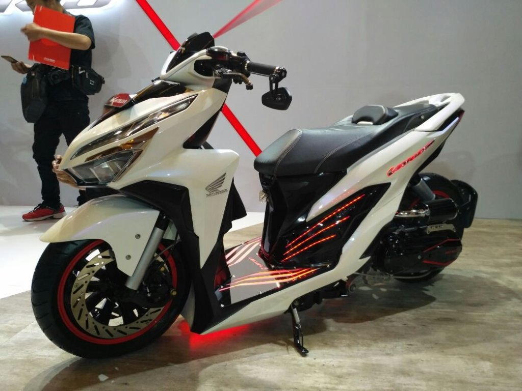 Modifikasi Honda Vario 150 Facelift Ala Low Rider Gokil Pake Air Suspension Video Indoride Com