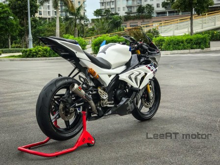 r15-modifikasi-bmw-hp4-race-7