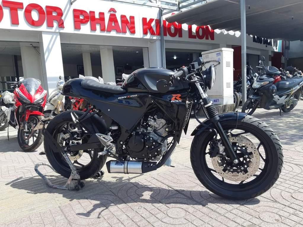 GSX-R150-Cafe-Racer-2