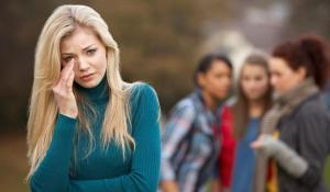 Para Selebriti Yang Mengalami Bullying Pengalaman Yang Tidak Menyenangkan pun dialami Oleh Selebriti