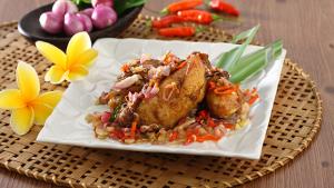 Resep Ayam Goreng Kecombrang Ala Farah Quinn