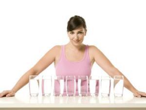 Pentingnya Minum 8 Gelas Air Sehari
