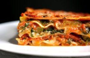 resep lasagna bayam saus tomat dan saus keju