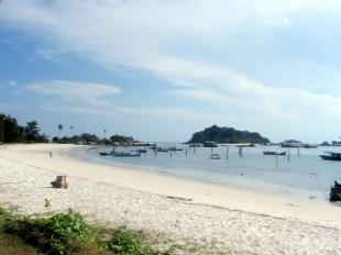 tanjung kelayang-beach-1