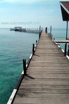 the jetty at derawan