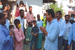 MA&UD Minister KT Rama Rao visits night shelter at Golnaka