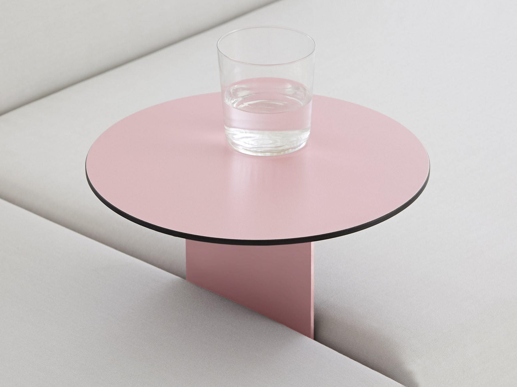 diable ploid coffee table
