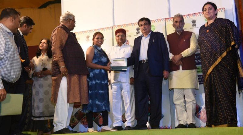 Gadkari, Irani visit Ekam Fest to promote differently-abled entrepreneurs & artisans
