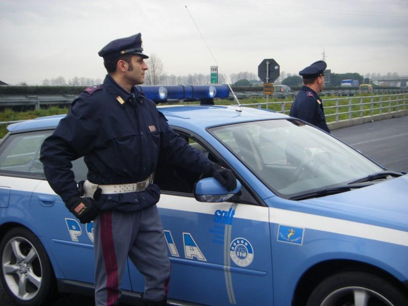 1447682737-polizia-5