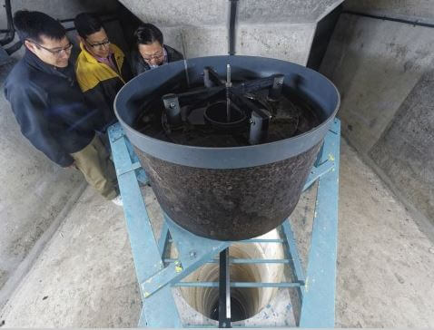 High Island Reservoir - the pendulum SCMP 24.4.16 author. photo Martin Williams