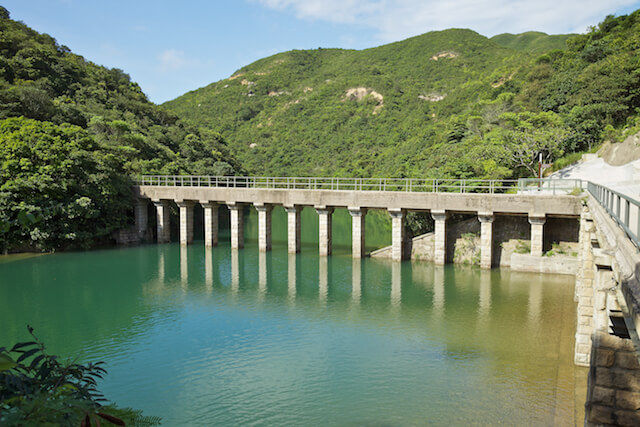 Tai Tam Group Of Reservoirs. Twenty-One structures (Together With The Bowen Road Aqueduct) Make Up The 88th Declared Monument. Masonry Aqueduct Of The Tai Tam Upper Reservoir (1883-1888).