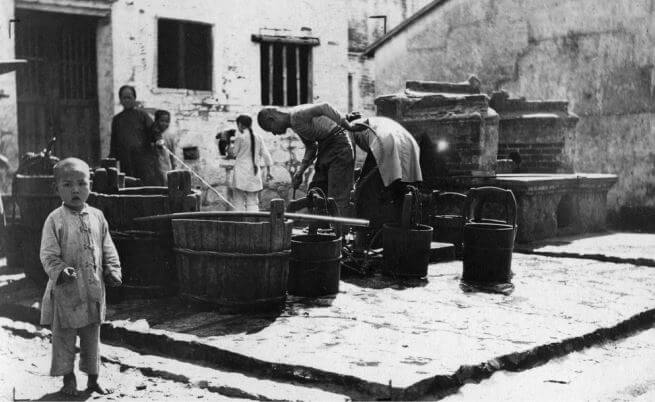 Cheung Chau water well c1920-1930s Courtesy - HKU libraries snipped HK Memory