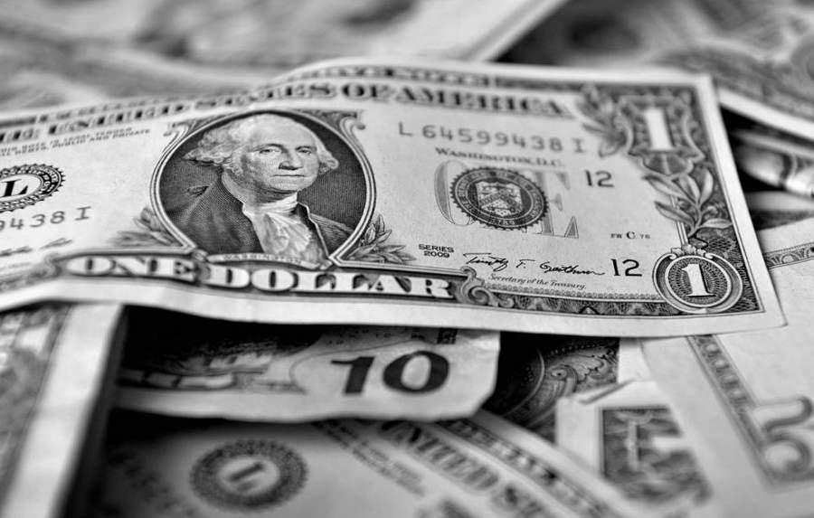 El peso sale a flote en medio de la 'tormenta' financiera