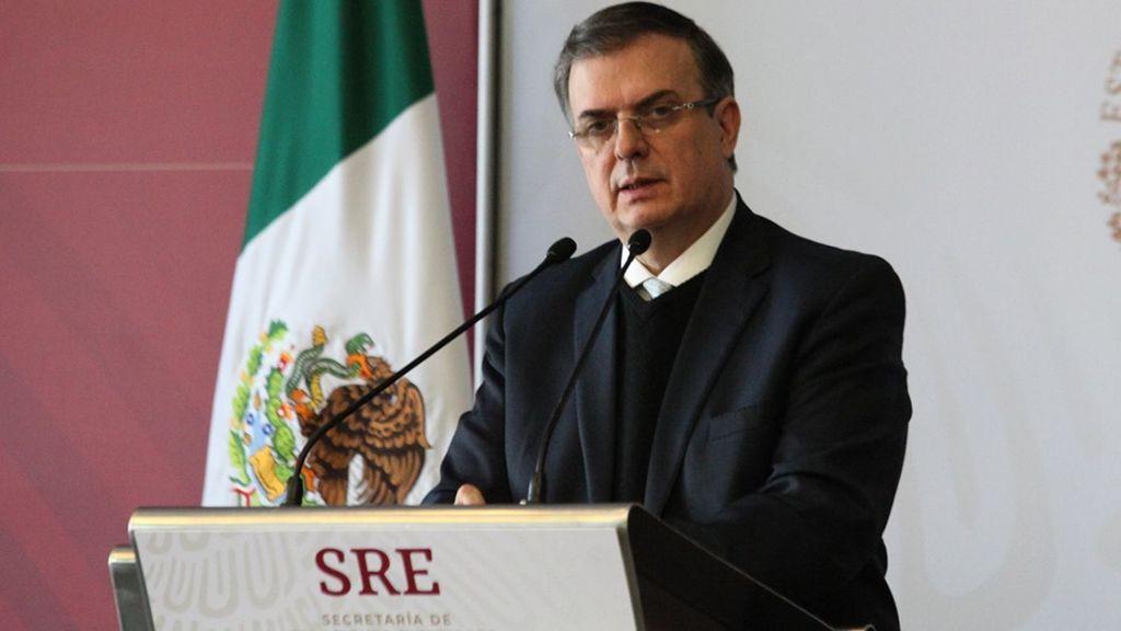 México acepta que migrantes que piden asilo en EU permanezcan en el país
