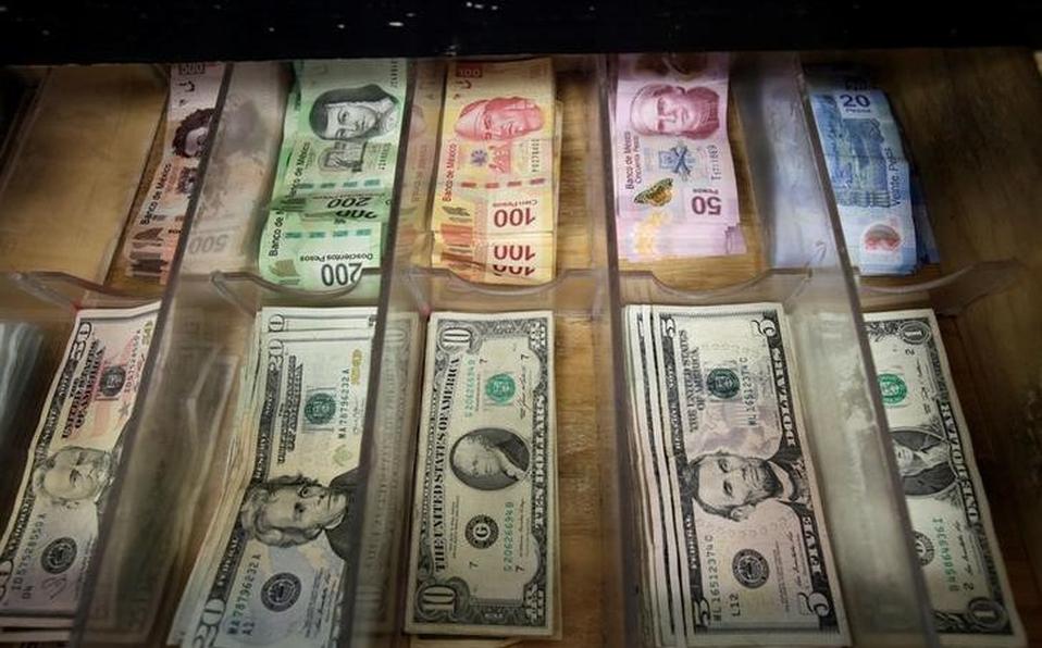 El dólar interbancario rompe el piso de los 19 pesos