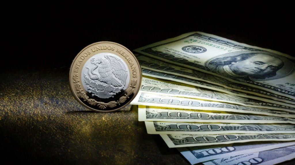 Peso retrocede; dólar apunta a 19.20 unidades