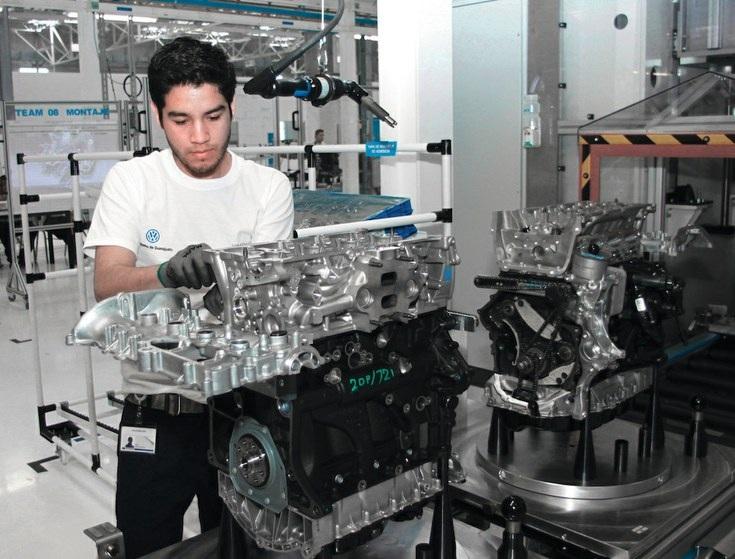 VW México invierte 234 mdd en nueva línea de motores en Guanajuato