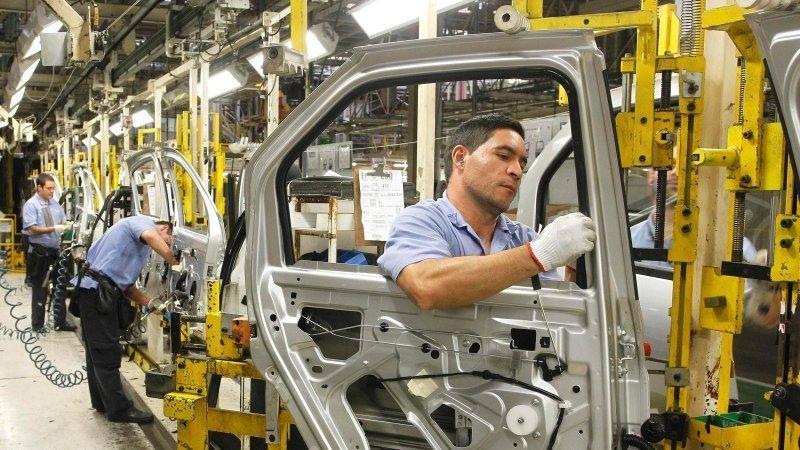 Producción y exportación de autos en México se desploman más de 20% durante 2020