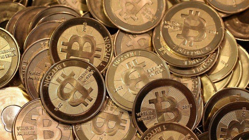 Bitcoin alcanza el umbral de los 50,000 dólares por primera vez en su historia