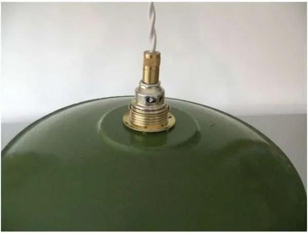 Geemaileerde schotellamp groen detail