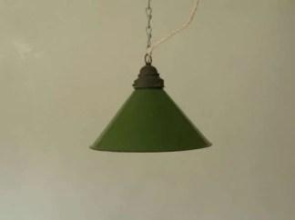 Geemailleerde groene conische hanglamp
