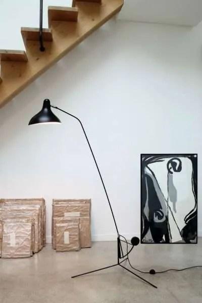 Mantis BS1 floorlamp Zwart-satijn in situ 2