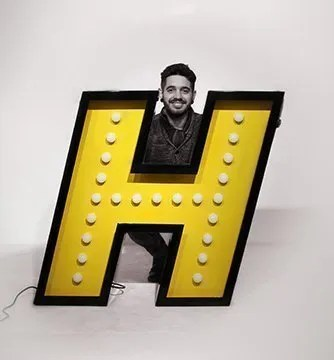 letter-neon-graphic-lamp-delightfull H