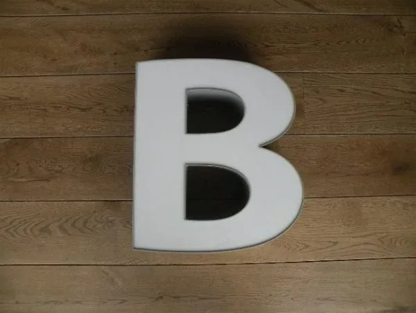 letterlamp grijs wit B 1
