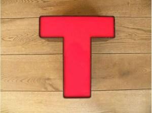 letterlamp zwart rood T 1