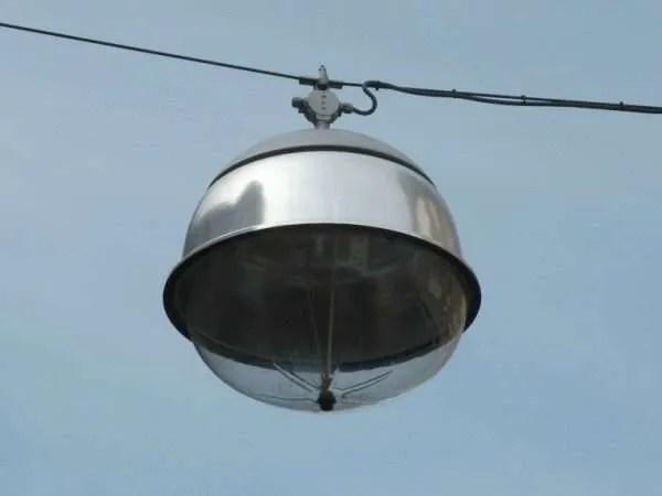 Van openbare verlichting naar huiskamer in Leiden