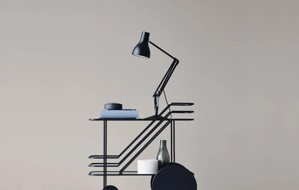 Anglepoise bureaulamp 75 jet black in situ
