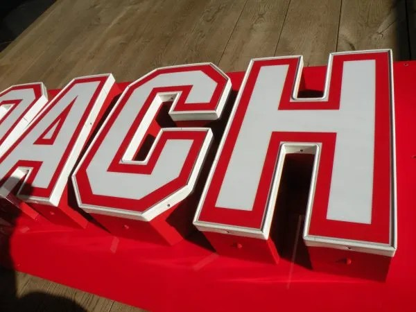 Letterlampen rood wit Coach 2